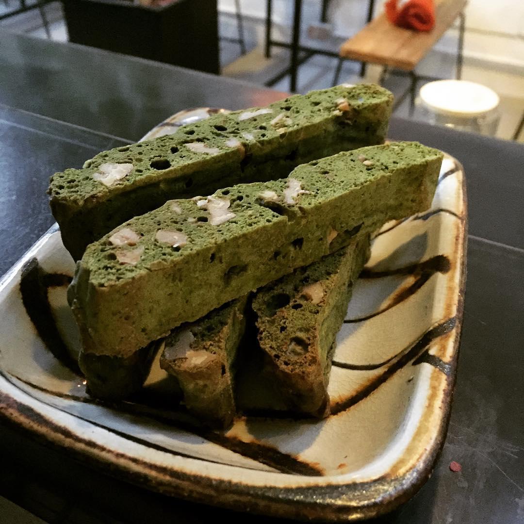 抹茶のビスコッティ 熊本県、小代焼の新しいうつわと