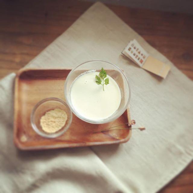 はちみつとカルダモンの豆花✿豆花(トウファ)とは、台湾生まれで豆乳のプリンのようなスイ-ツです。温かいドリンクとご一緒に、午後のひとときにぴったりです