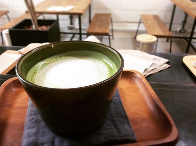 .抹茶ラテ。スゥレッドカフェの抹茶ラテは優しい甘味と、しっかりとした抹茶のコクを出せるように2種類の抹茶を使っています。#スゥレッドカフェ #スゥレッドカフェ定番ドリンク